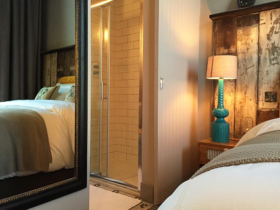 Hotel Room2